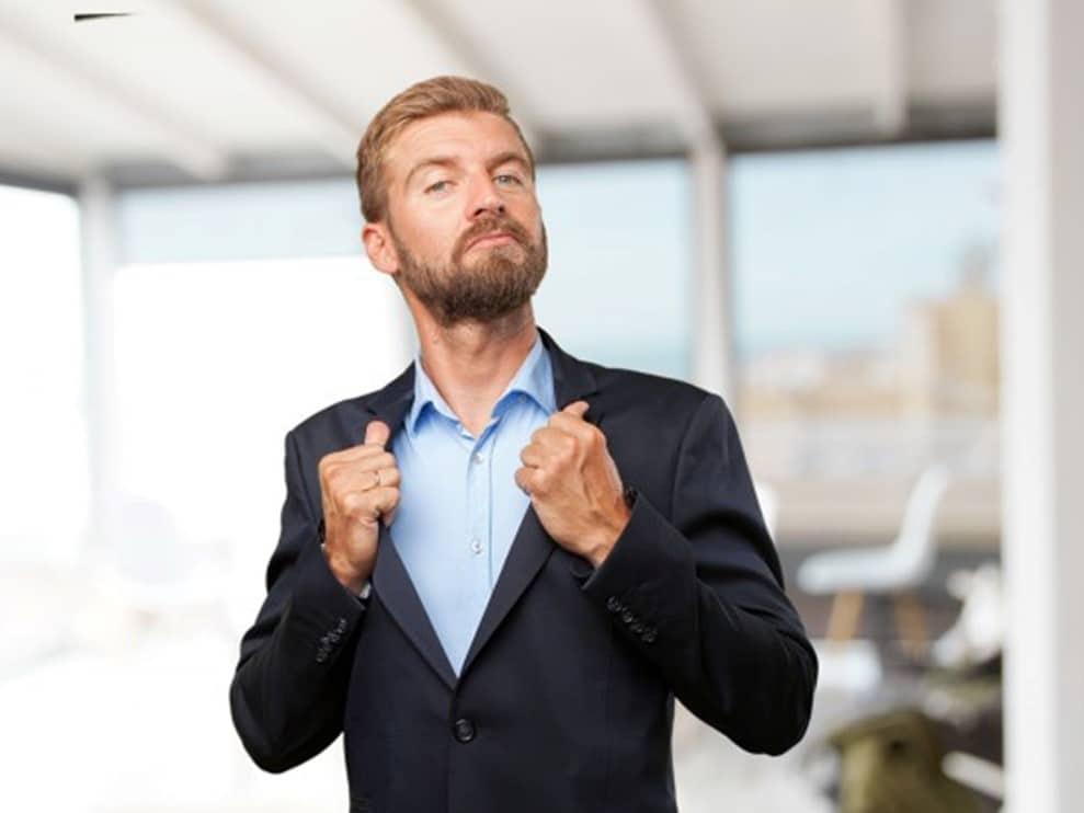 Como lidar com pessoas arrogantes no trabalho