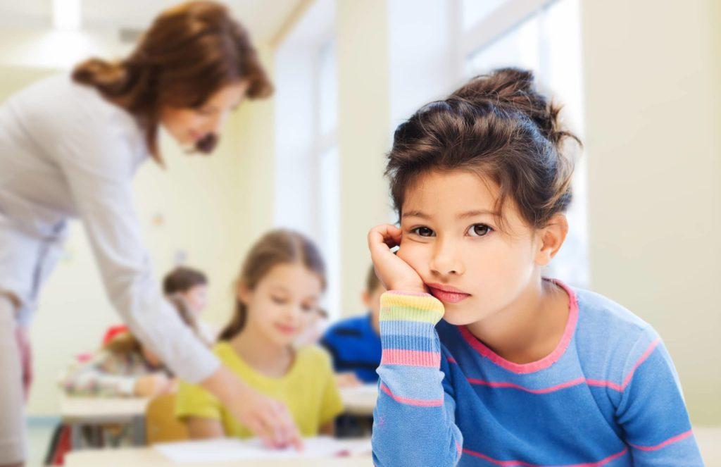 O que fazer quando os seus filhos não se adaptam a uma nova escola?